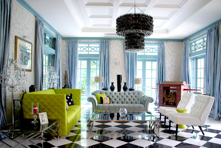 Colourful Living Room by Design Intervention Classic style living room by Design Intervention Classic