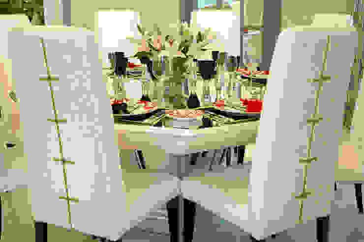 Bespoke Dining Set by Design Intervention Classic style dining room by Design Intervention Classic