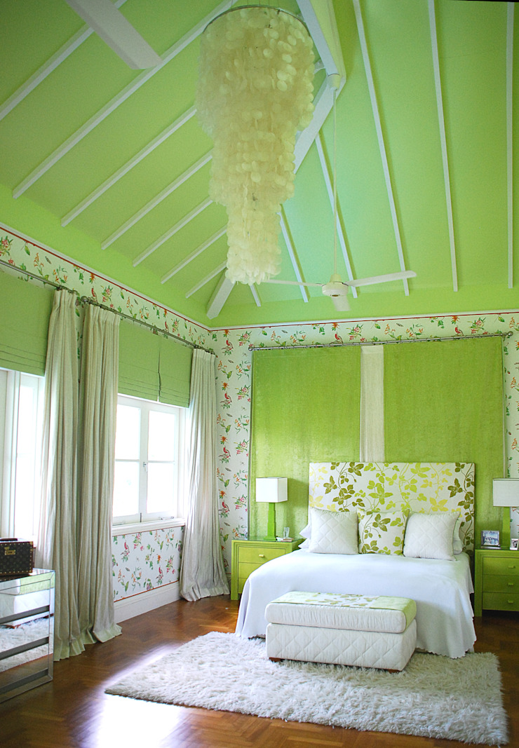 Pastel Green by Design Intervention Classic style bedroom by Design Intervention Classic