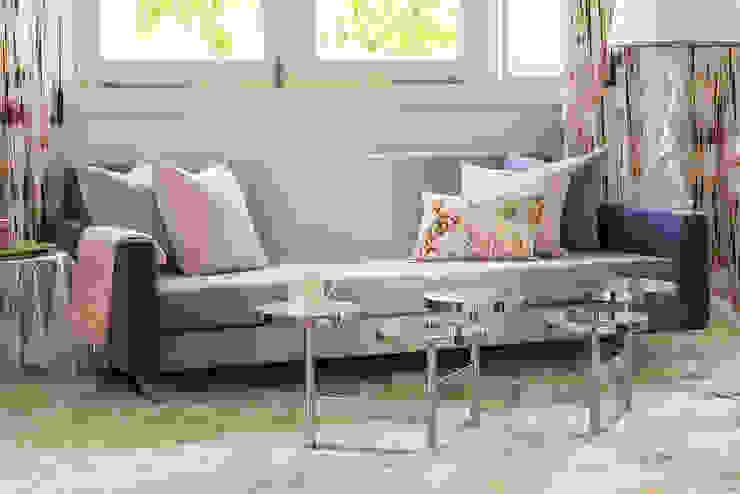 Ombre Sofa Design by Design Intervention Classic style bedroom by Design Intervention Classic