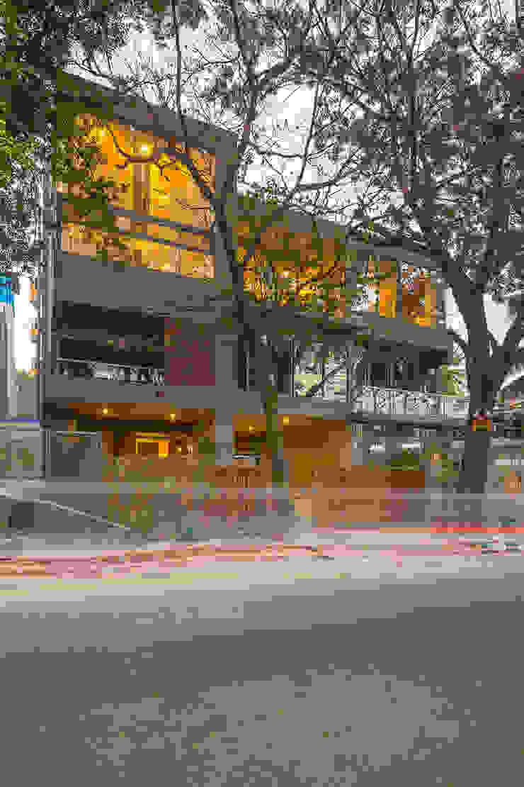 Rumah Klasik Oleh Ink Architecture Klasik