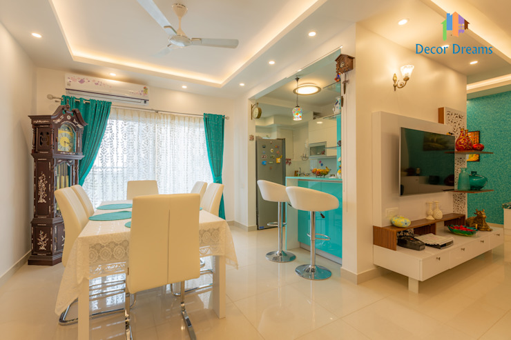 Brigade Meadows, 3 BHK—Dr. Usha & Dr. Mohan:  Dining room by DECOR DREAMS