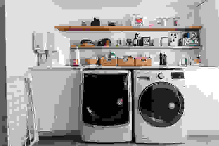세탁실 모던스타일 발코니, 베란다 & 테라스 by FLIP (플립) 디자인 스튜디오 모던