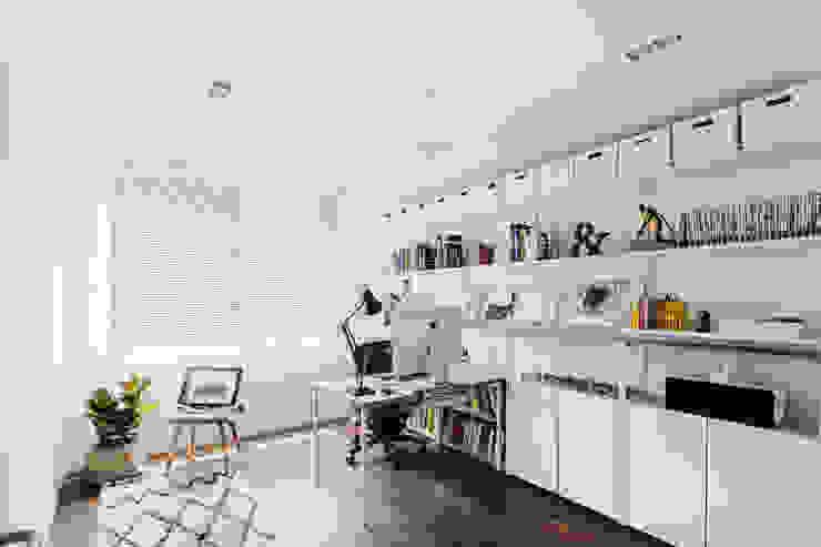 서재 모던스타일 서재 / 사무실 by FLIP (플립) 디자인 스튜디오 모던