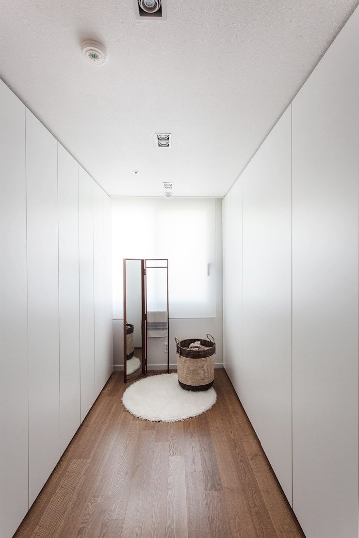 드레스룸 모던스타일 드레싱 룸 by FLIP (플립) 디자인 스튜디오 모던
