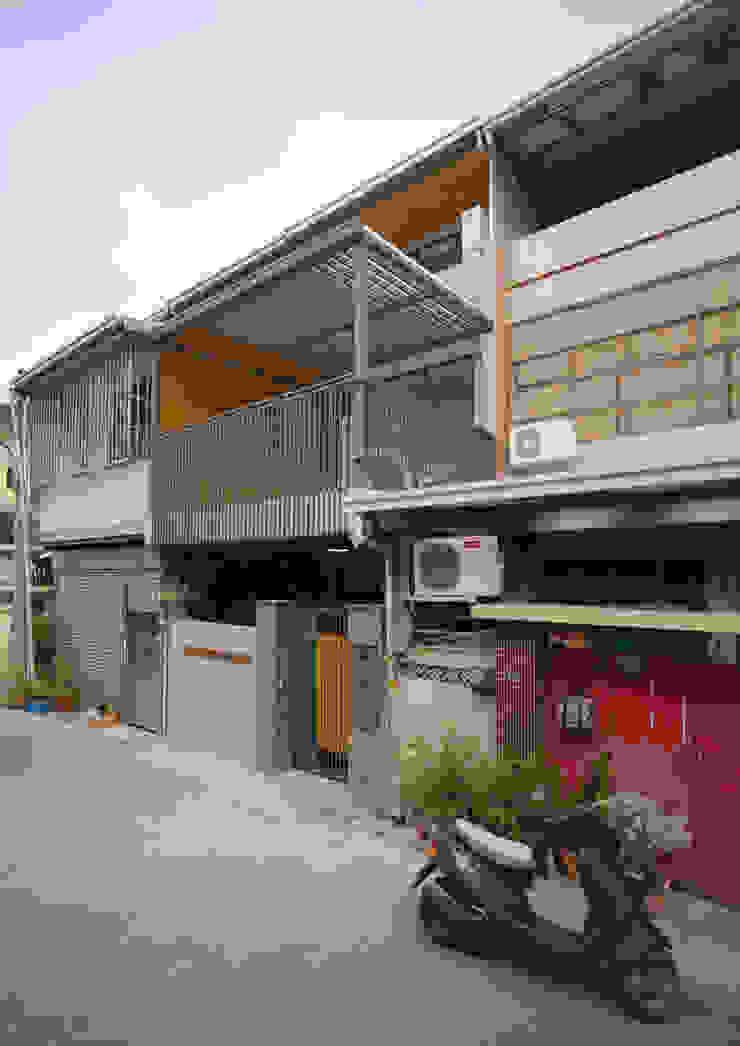 老屋翻新 巷‧日閣 | 翻新後外觀 根據 有隅空間規劃所 日式風、東方風