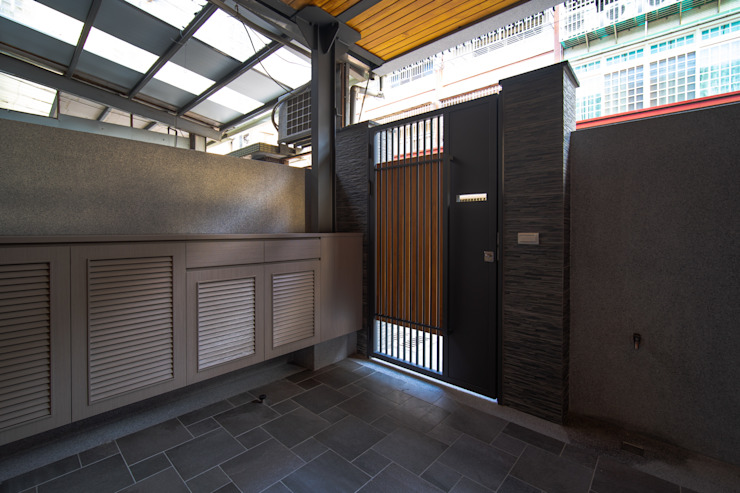 老屋翻新 巷‧日閣 | 前院 Asian corridor, hallway & stairs by 有隅空間規劃所 Asian