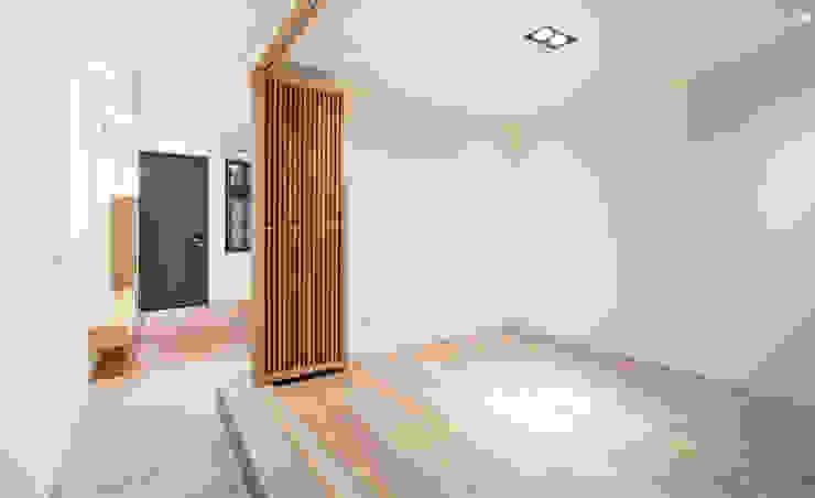 老屋翻新 巷‧日閣 | 1F多功能和室 根據 有隅空間規劃所 日式風、東方風