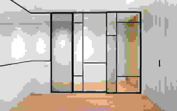 老屋翻新 巷‧日閣 | 2F開放式書房 Asian style study/office by 有隅空間規劃所 Asian