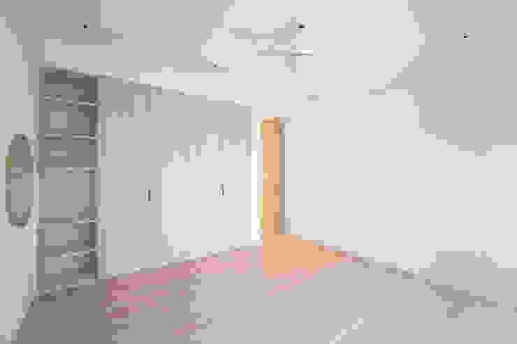 老屋翻新 巷‧日閣 | 2F主臥 Asian style bedroom by 有隅空間規劃所 Asian