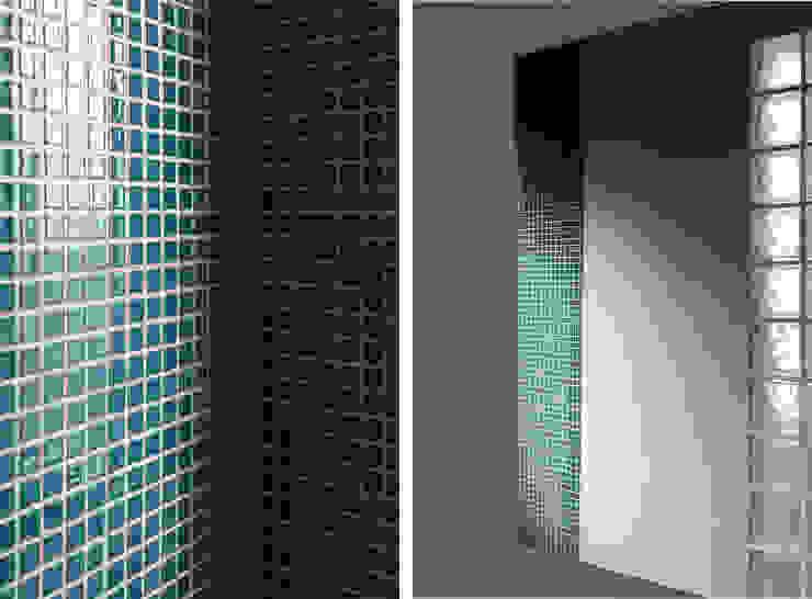 Minimalist style bathroom by PortoHistórica Construções SA Minimalist Ceramic