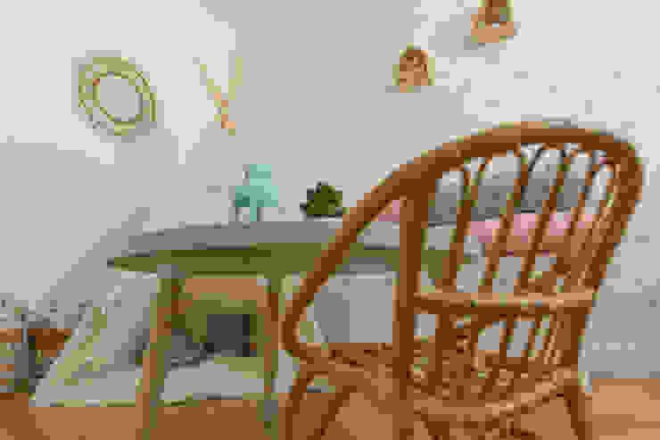 LOS RINCONES DE CARLA Dormitorios infantiles de estilo escandinavo de KELE voy a hacer Escandinavo