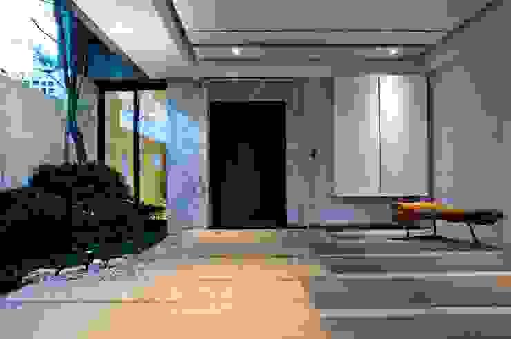 大桓設計顧問有限公司 Front doors