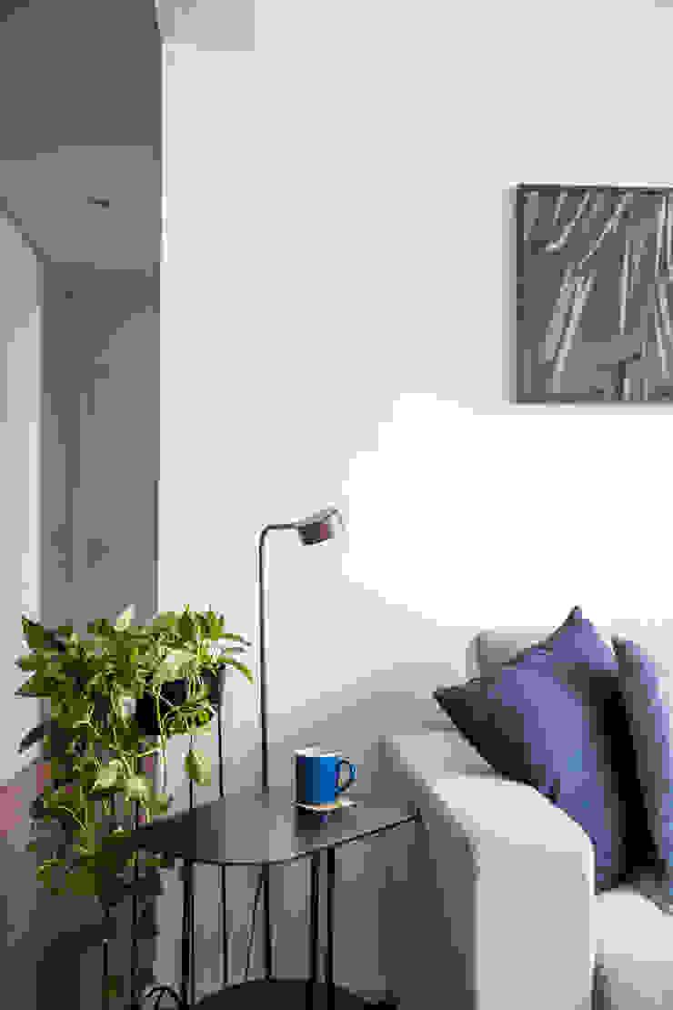 minimalist  by INÁ Arquitetura, Minimalist