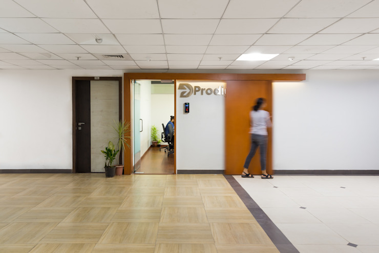 Entrance lobby by M+P Architects Collaborative Modern