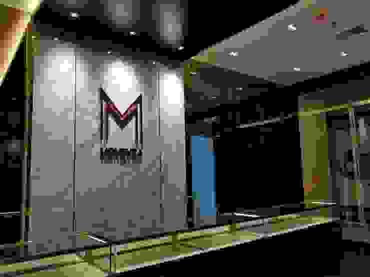 ออกแบบและตกแต่งภายใน: ทันสมัย  โดย Interior 92 Co.,Ltd., โมเดิร์น กระจกและแก้ว