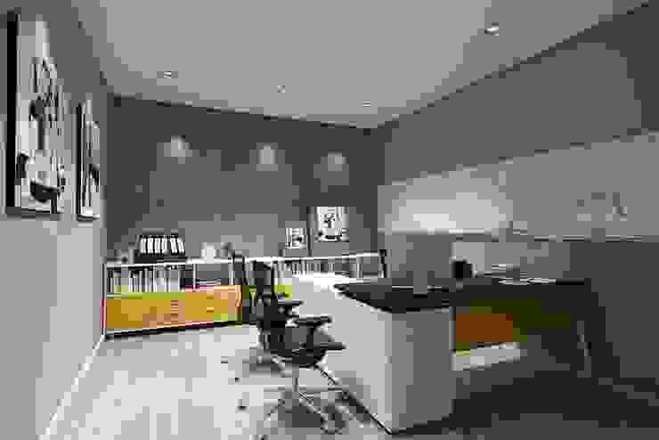 ตกแต่งสำนักงาน: ทันสมัย  โดย Interior 92 Co.,Ltd., โมเดิร์น แผ่นไม้อัด Plywood
