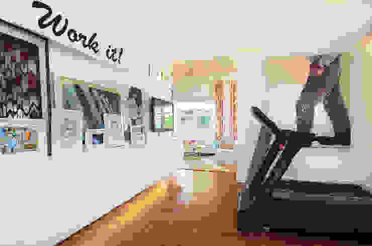 Home Gym Design by Design Intervention Modern gym by Design Intervention Modern