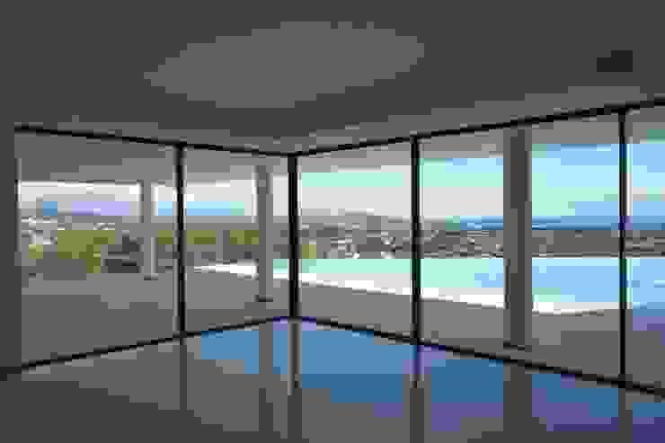 Vista desde salón Livings modernos: Ideas, imágenes y decoración de ARKUM Moderno