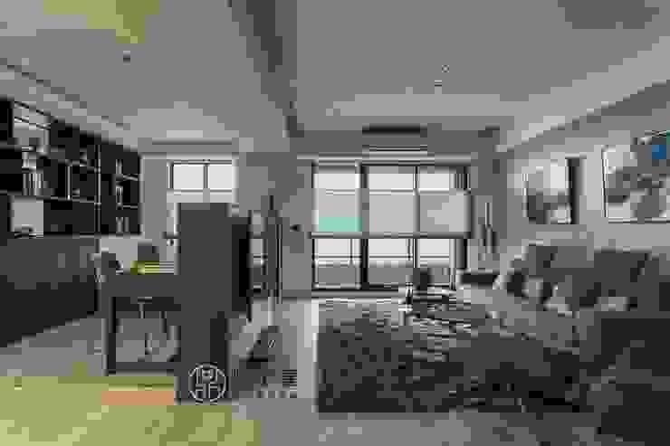 Salas multimedia de estilo moderno de 鼎士達室內裝修企劃 Moderno Caliza