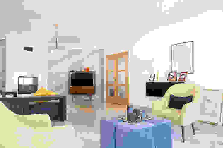 Moderne Wohnzimmer von HOUSE PHOTO Modern