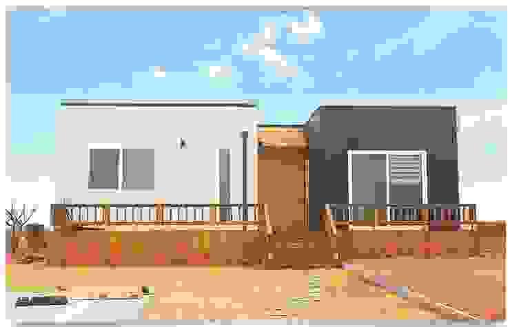 집의 본질을 생각한 미니멀리즘 전원주택 미니멀리스트 주택 by 공간제작소(주) 미니멀