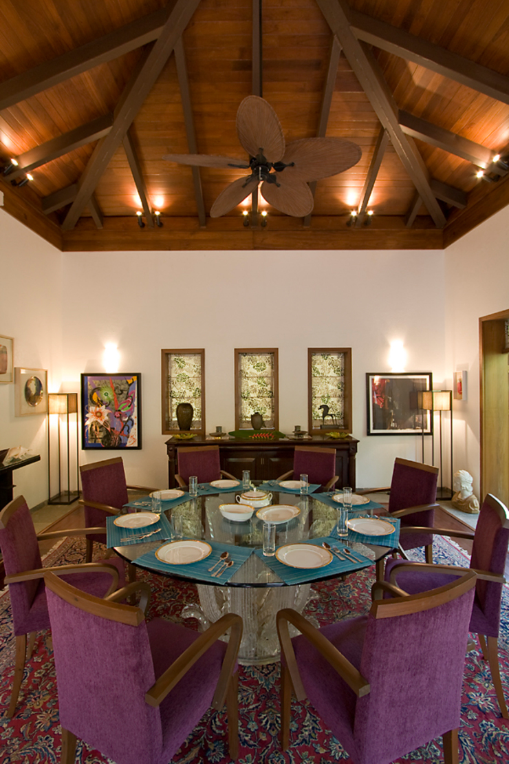 BEACH ESTATE : AKSHI, ALIBAG Asian style dining room by Bric Design Group Asian