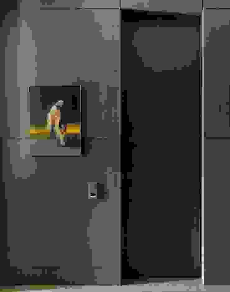 Дизайн бюро Татьяны Алениной Modern corridor, hallway & stairs