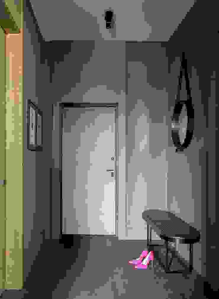 Small flat in Moscow 360 sq.ft Дизайн бюро Татьяны Алениной Modern Corridor, Hallway and Staircase