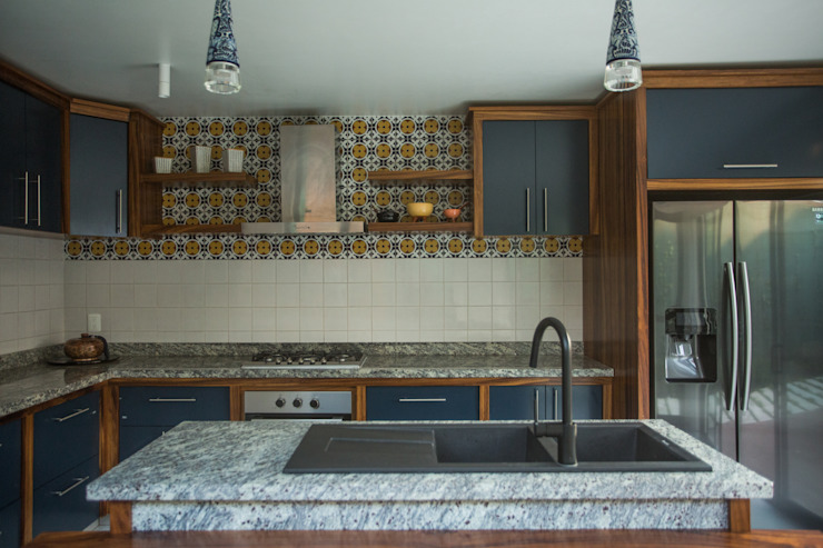 Cocina Casa Naranjo. Después. : Cocinas de estilo  por Soma & Croma