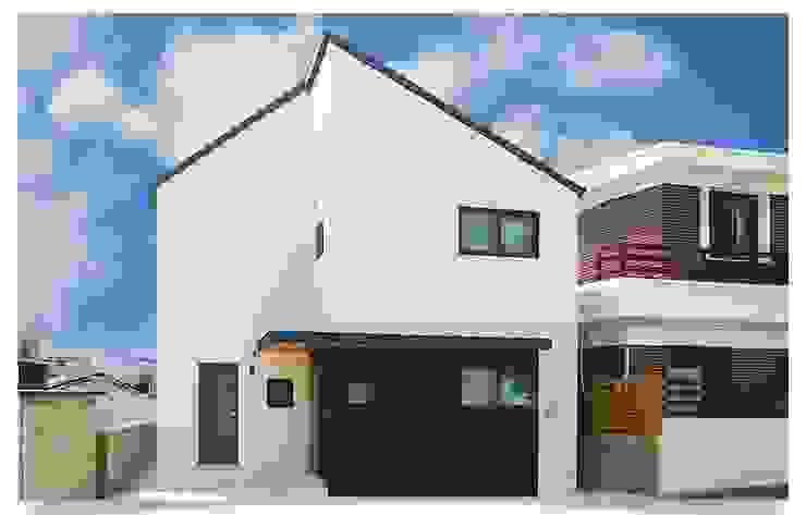 조용한 마을에 그림같은 전원주택 모던스타일 주택 by 공간제작소(주) 모던