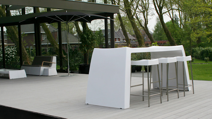 modern  by ONE TO SIT -  indoor & outdoor furniture, Modern Plastic