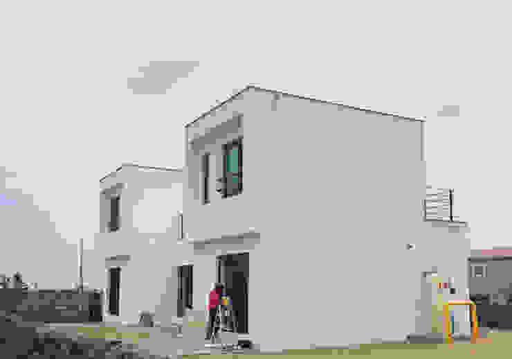 [현장라이브] 제주도 귀덕리 전원주택 시공현장 by 한글주택(주) 모던 콘크리트