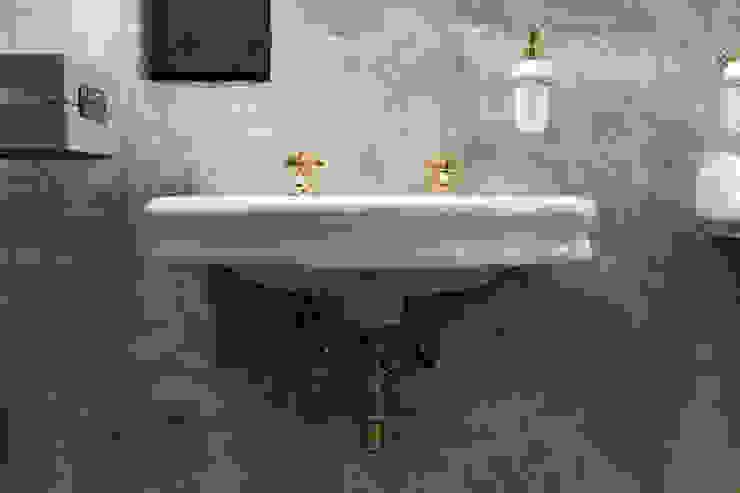 Dispenser porta sapone in ceramica bianca e oro Idearredobagno.it Bagno in stile classico Rame / Bronzo / Ottone Ambra/Oro