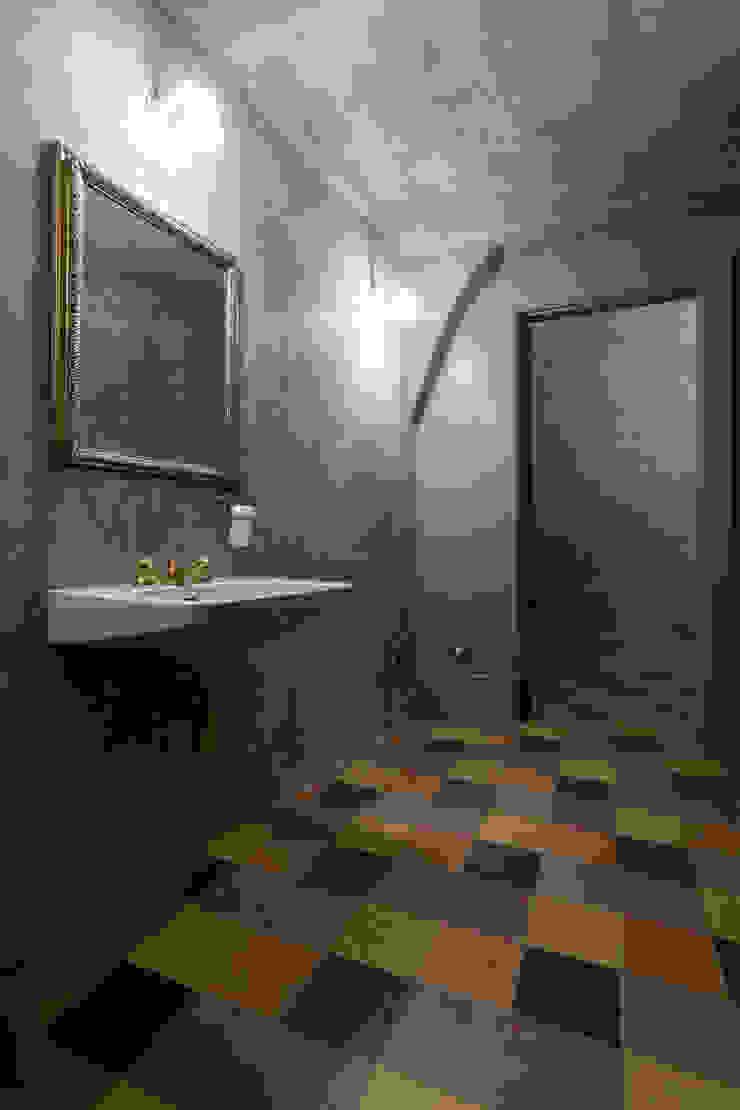 Il piacere di un bagno curato nei mimino dettagli Idearredobagno.it Bagno in stile classico Rame / Bronzo / Ottone Ambra/Oro