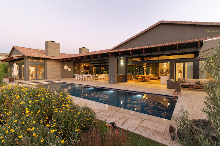 House Milne - Entertainment and Pool Area by Hugo Hamity Architects Modern