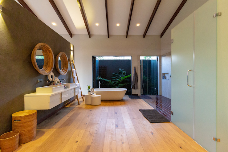 House Milne - Main Bathroom Modern bathroom by Hugo Hamity Architects Modern
