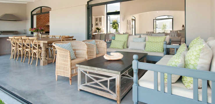 Patio by Overberg Interiors Classic