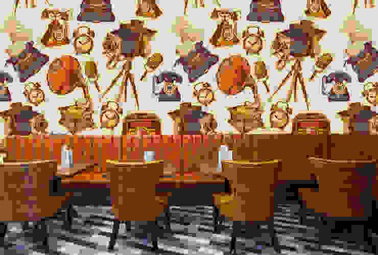 Papel tapiz personalizado en restaurante. Paredes y pisos de estilo clásico de Kromart Wallcoverings - Papel Tapiz Personalizado Clásico