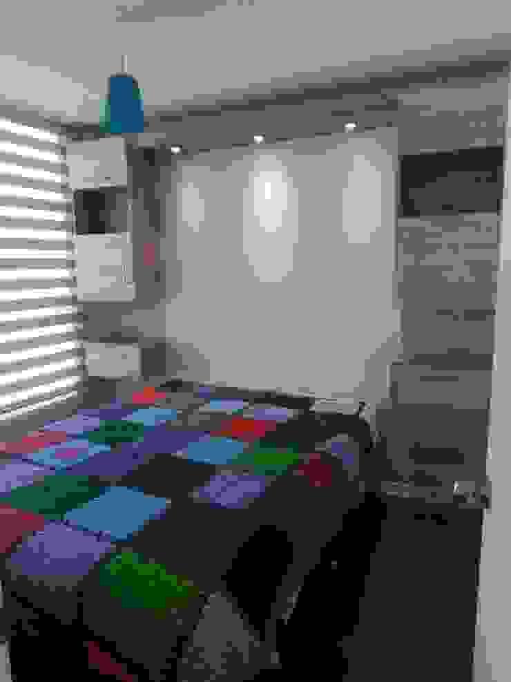 Mueble estantería volátil con luz Dormitorios de estilo minimalista de Muebles y vinilos Minimalista
