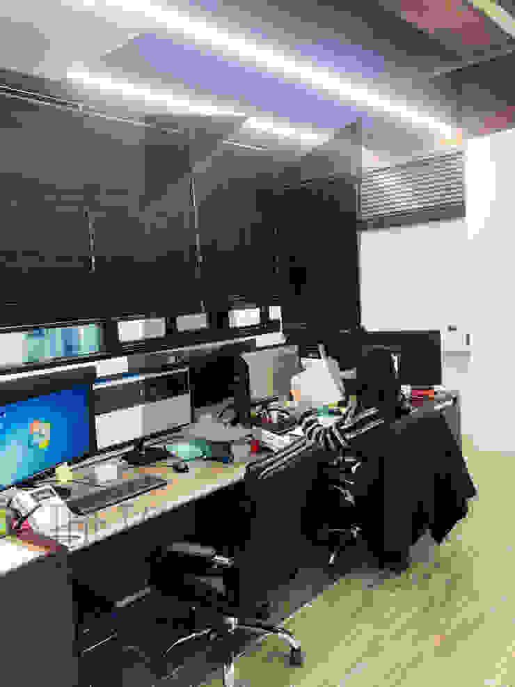 사무실 인테리어: 더톡디자인(The talk design)의 현대 ,모던
