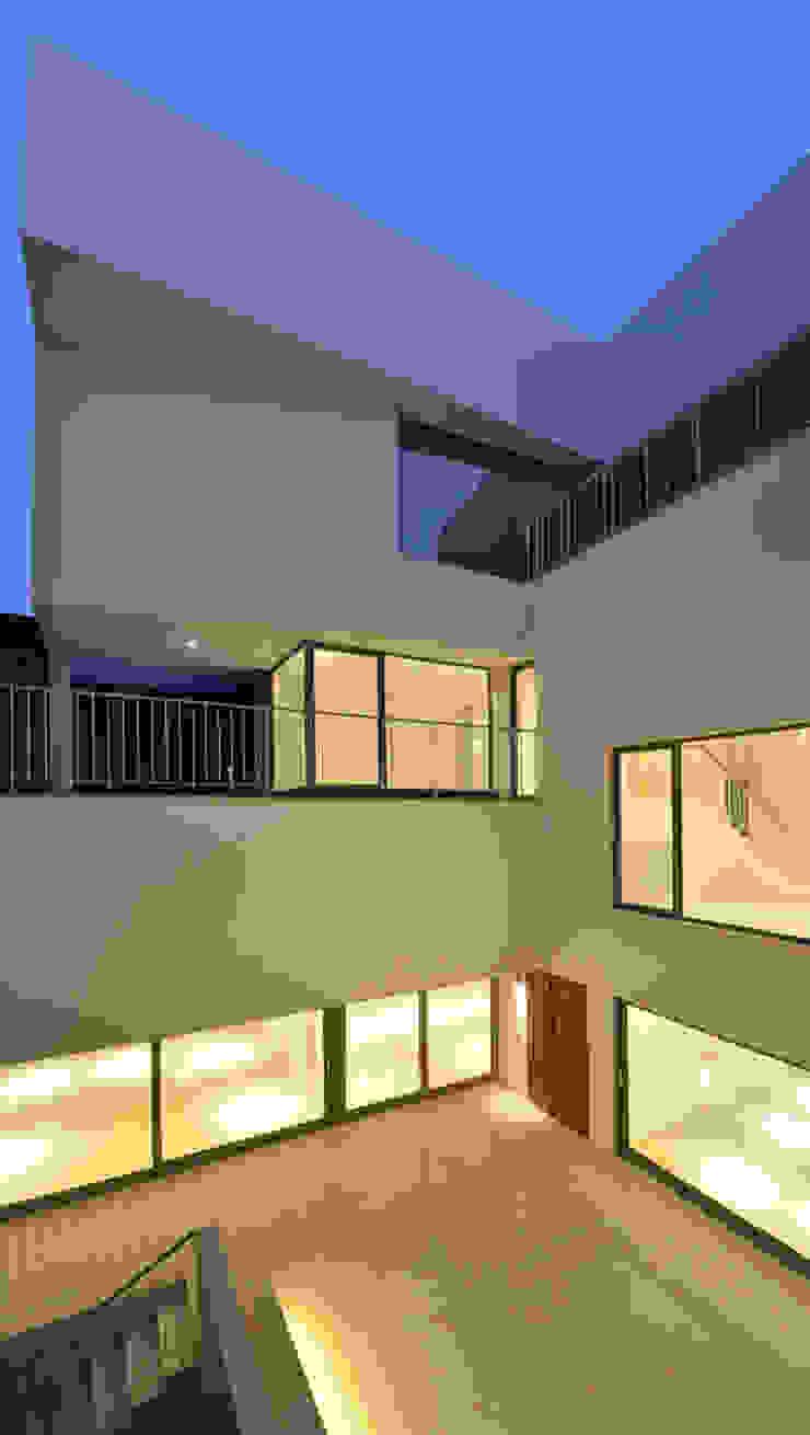 Maisons minimalistes par AGi architects arquitectos y diseñadores en Madrid Minimaliste Béton