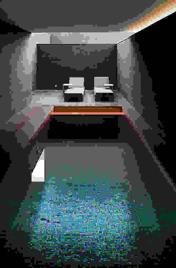 Piscine minimaliste par AGi architects arquitectos y diseñadores en Madrid Minimaliste