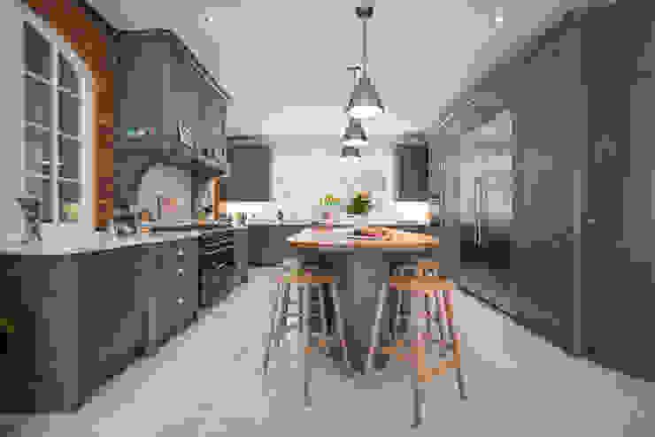Industrial style kitchen par John Ladbury and Company Industriel Bois Effet bois