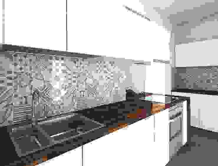 Render cucina DUOLAB Progettazione e sviluppo Cucina attrezzata Piastrelle Bianco