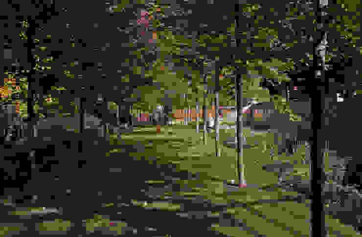 Русско-Английский сад Сад в классическом стиле от ООО GeoGraffiti Классический