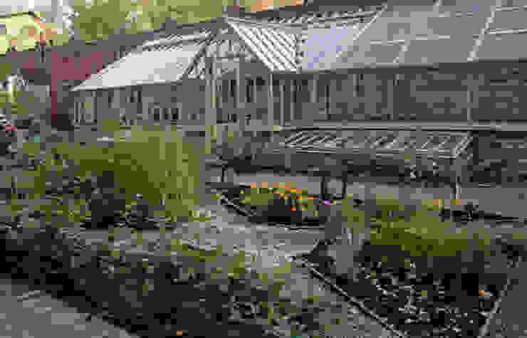 Барвиха01 Русско-Английский сад Огород Теплица Сад в классическом стиле от ООО GeoGraffiti Классический