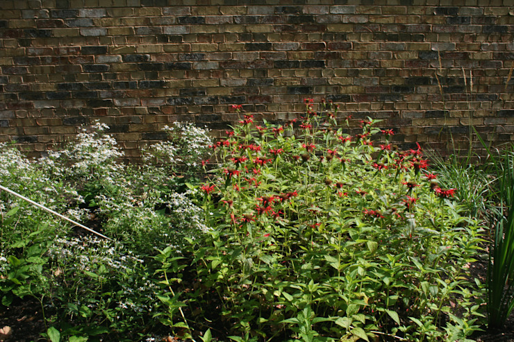 Барвиха01 Русско-Английский сад Подпорная Стенка Сад в классическом стиле от ООО GeoGraffiti Классический