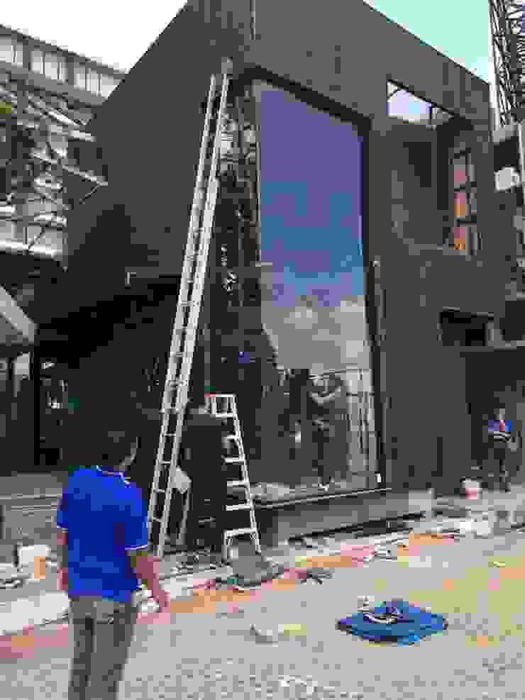 รับผลิตและจำหน่ายกระจกนิรภัย Tempered ในภาคเหนือ: ผสมผสาน  โดย Chiangmai Temper Co .,Ltd., ผสมผสาน กระจกและแก้ว