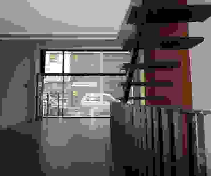 Local Vista Vidriera Estudios y despachos de estilo moderno de GR Arquitectura Moderno Hierro/Acero